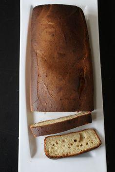 je hebt cake en gezonde cake…. dt is zo een verschil maar met deze cake dus niet! De soja vanille yoghurt spelt cake is meer dan goed gekeurd, koemelkvrij!
