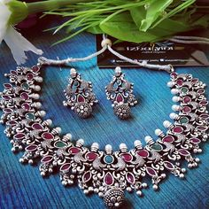Captivating Silver Accessories Ideas For Add In Your Appearance Antique Jewellery Designs, Fancy Jewellery, Silver Jewellery Indian, Stylish Jewelry, Antique Jewelry, Silver Jewelry, Dainty Jewelry, Ethnic Jewelry, Silver Bracelets