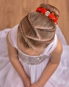 Remember the pink ballet style with lace braids ? Well this is the blonde version ! ❤️❤️❤️ Bunwrap from Ballet Hairstyles, Baby Girl Hairstyles, Kids Braided Hairstyles, Box Braids Hairstyles, Prom Hairstyles, 1940s Hairstyles, School Hairstyles, Updo Hairstyle, Latest Hairstyles