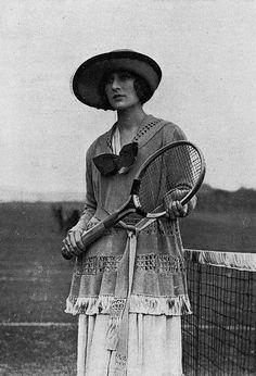 Tennis suit, London, photo by Daily Mirror, Les Modes 1919 Sports Women, Female Sports, London Photos, Suits, Mirror, Sportswear, Style, Fashion, Tennis