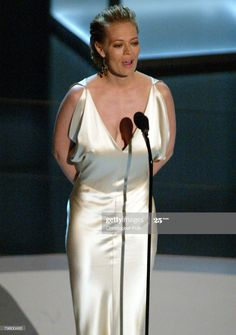 News Photo : Presenter Jeri Ryan for Outstanding Actor/Actress. Star Trek Cast, Star Trek Voyager, Hollywood Actresses, Actors & Actresses, Jerry Ryan, Seven Of Nine, Star Trek Images, Cindy Crawford, Drama Series