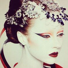 WYKOŃCZENIE GÓRA/BOK OKA modern geisha make-up