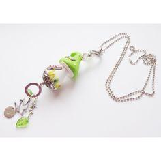 total süß, lange Halskette mit Elfenhaus aus Fimo