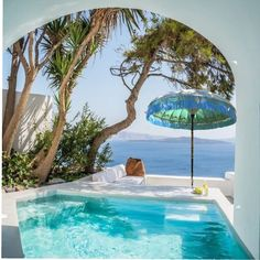 Our Patio umbrellas are a great idea to brighten up your outdoor living space, they come in many colourful designs Luxury Swimming Pools, Luxury Pools, Dream Pools, Luxury Suites, Garden Parasols, Patio Umbrellas, Mediterranean Design, Beautiful Pools, Hotel Suites