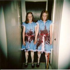 El resplandor, encuentra más divertidas opciones en disfraces para este Halloween aquí http://www.1001consejos.com/disfraces-para-gemelos/