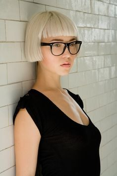 beached blonde blunt bob with short bangs