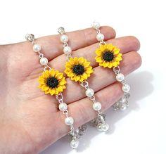 SET of 3 Sunflower and Pearls Bracelets, Sunflower Bracelets, Yellow Bridesmaid Jewelry, Sunflower Jewelry, Summer Jewelry