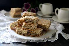 מתכון עוגת שכבות נס קפה - ריבועי בצק פריך מרנג נס קפה ואגוזים - מתנות קטנות Muesli Cookies, French Toast, Breakfast, Cakes, Food, Breakfast Cafe, Essen, Cake, Pastries