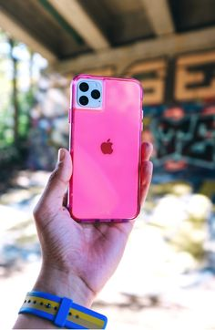 Protect your new iPhone with Case-Mate's fashion-forward premium cases. Discover our new iPhone 2019 cases collection here and choose your favorite. Simple Signs, Neon Purple, White Iphone, Cute Phone Cases, New Iphone, Iphone Case Covers, Kendall, Kylie, Giveaway