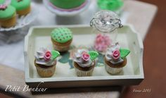 Cupcakes Shabby chic 1:12 Miniature Food, Mini Cupcakes, Shabby Chic, Sweets, Collections, Fruit, Desserts, Donuts, Dollhouses
