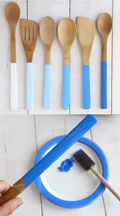 So chic and simple to do!  You will need only wood paint.  Note that the author of this tutorial has rolled a strip of paper into the cable to mark the end of the ink ribbon.
