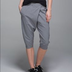 Lululemon Yogi Retreat Crop BNWT Gray Brand new with tags Lululemon Yogi retreat crop. Size 6. Gray color. New, never worn, a little wrinkled from being stored. lululemon athletica Pants Capris