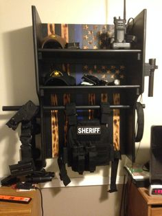 Police Officer organization gift ideas for him