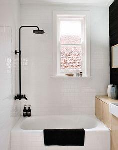 Een compacte badkamer - combinatie van materialen