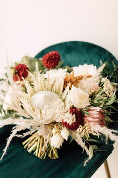 Industrial Chic Chinese and Western San Diego Wedding – Plum and Oak Photo – Sandbox 10  This wedding made the affogato bar the new favorite wedding dessert station in this perfectly merged Western & Chinese wedding mixed with boho vibes.  #bridalmusings #bmloves #wedding #ido #foodie #affogato #dessert #chinesewedding #westernwedding #chinese #western #boho Tapas Menu, Destination Wedding, Wedding Day, Affogato, Honeymoon Spots, Chinese Tea, Bridal Musings, Hair And Makeup Artist, Bridal Hair And Makeup