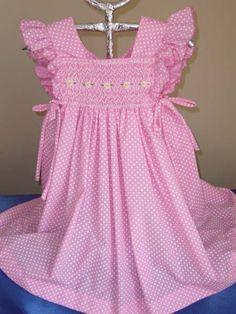Para las engreídas de la casa... Vestidos bordados a mano y en tela polipima. Talla O (menos de 1 año), talla 1 (hasta 1 año y medio) sucesi...