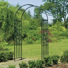 Modern Diy Garden Archway Decor Ideas That You Need To Have - There are so many types of garden gates around these days that they can be both functional and great looking. No matter what your garden decor is like. Metal Arbor, Wood Arbor, Metal Pergola, Backyard Pergola, Pergola Plans, Patio, Cheap Pergola, Pergola Ideas, Pergola Kits