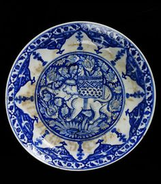 Dish Iran, 1635-65 Fritware, underglaze painted in blue