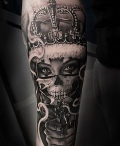 Latest Tattoos Designs and Ideas Hand Tattoos, Chicanas Tattoo, Skull Girl Tattoo, Dope Tattoos, Badass Tattoos, Skull Tattoos, Forearm Tattoos, Body Art Tattoos, Girl Tattoos