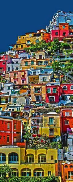 Positano, Itália   esperteza.com #EspertosEViajados #TravelSpots #EspertosESábios #positano #italy #italia #cor #colors #travel #travelling #trip #viagem #viagens #viajar #amazing #amazingview