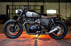 "The Bullitt: Macco Motors' Triumph Bonneville SE :: ""Dusty Pear..."