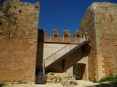 El castillo de Anento es una fortificación defensiva del siglo XIII-XIV, ubicado en un monte cercano a la localidad del…http://www.rutasconhistoria.es/loc/castillo-de-anento