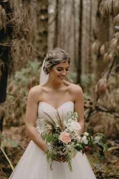 Bride and bouquet Urban Chic, Reception Decorations, Photo Booth, Wedding Styles, One Shoulder Wedding Dress, Brides, Wedding Day, Bouquet, Wedding Dresses