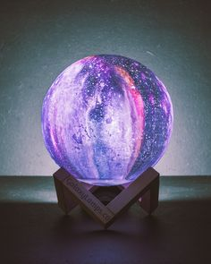 Meet The Galaxy Lamp, a meticulously-crafted beauty designed using high-quality NASA satellite images. Its rugged surface is reminiscent of a star in the night sky, boasting incredible detail guaranteed to steal the show whenever guests come over to play. Led Night Light, Light Up, Night Lights, Cosmos, Nasa, Lampe Decoration, Curious Kids, Relax, 3d Prints