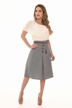 Woman - Fascinius Moda Evangélica Modest Work Outfits, Red Skirt Outfits, Red Skirts, Casual Outfits, Office Fashion Women, Girl Fashion, Fashion Dresses, Spring Summer Fashion, Dress Skirt