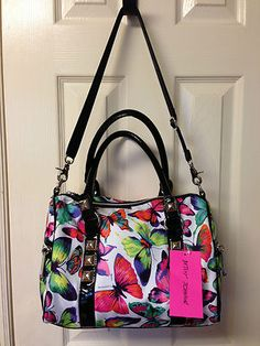 Another great Butterfly handbag.  I want this one too!
