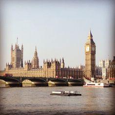 """""""Pues nada, aquí andamos haciendo fotos superoriginales de Londres y tal :-P #londonpic"""" Victoriano Izquierdo"""