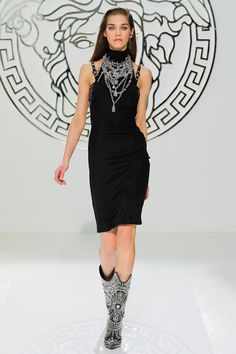 give me some necklace..... Versace Fall 2013 RTW