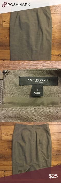 """Ann Taylor Professional pencil skirt size 4 Back slit. Lined. Office chic. Back zipper. No trades. Offers welcome through """"offer"""" button. 15% discount on bundles. (A) Ann Taylor Skirts Pencil"""