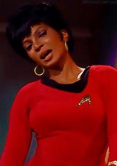 "deliciouslydemure: "" Nichelle Nichols as Lt. Uhura in Star Trek: The Original Series: ""Charlie X"" "" Star Trek Wallpaper, Star Trek Cast, Star Trek Voyager, Star Trek Original, Star Trek Quotes, James T Kirk, Stark Trek, Aaliyah Style, Nichelle Nichols"