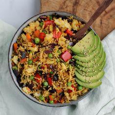 Podívejte se na tipy na večeře, které jsou jednoduché, zvládne je každý, i muži a ještě díky nim budete mít každý den co vařit. Leftover Rice, Happy Tuesday, Fried Rice, Pesto, Toast, Nyc, 1 Cup, Ethnic Recipes, How To Make