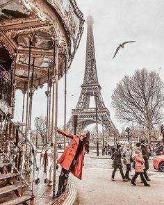 París, siempre es una buena opcion para una escapada romantica. #paris #paristravel #parislove #travelparis #parisphotos #moulinrouge #toureiffel Paris Pictures, Paris Photos, Europe Photos, Travel Photos, Travel Pictures, Paris Photography, Travel Photography, Eiffel Tower Photography, Paris Outfits