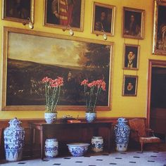 Private #Petworth #worldofinteriors #interior #interiordesign #blueandwhite #lillies #love #yellow #englishome #photooftheday