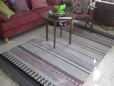 Loimien tarinaa Rugs On Carpet, Carpets, Rag Rugs, Tear, Recycled Fabric, Woven Rug, Recycling, Projects To Try, Weaving
