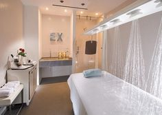 Lovely collection of luxury hotels with decorated and furnished room ,luxury bathroom , meeting room, and selection of honeymoon suites @ Hotel Excelsior Pesaro