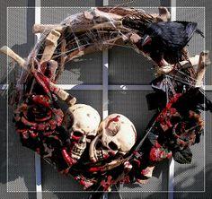 DIY Halloween Wreaths for a Creepy Door Pics) - Snappy Pixels Masquerade Halloween, Scary Halloween Wreath, Halloween Front Doors, Halloween Banner, Diy Halloween Decorations, Fall Halloween, Halloween Crafts, Halloween Party, Halloween Goodies