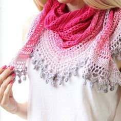 Free #crochet pattern to make this pom pom happiness shawl on wilmade.com. Shawl & pic made by @emmeclairecrochet