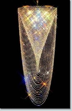 Spiral Swirl Extra-Large Crystal Chandelier, Gold on Brass. I'm not a chandelier kind of gal, but this is just beautiful. Unique Lighting, Home Lighting, Large Crystals, Swarovski Crystals, Muebles Estilo Art Nouveau, Chandelier Lighting, Crystal Chandeliers, Crystal Wall, Glass Chandelier