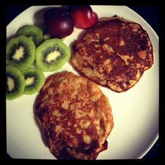 Autoimmune Protocol Paleo Pancakes •1/2 cup coconut flour •1/2 cup plantain flour •1 large ripe banana •1 cup of coconut milk •1 x tbsp of honey •1 x tsp of baking powder (or .5 tsp baking soda) •virgin coconut oil for frying