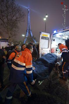 Evacuation d'un victime lors de la Saint Sylvestre [Ref:211001-01-0173]