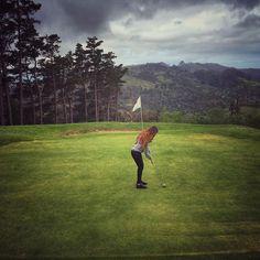 Jugar al golf en este entorno es una delicia a que sí?  by lvdclaudia