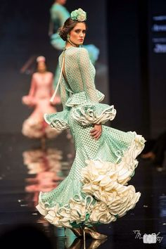 Flamenca Spanish Heritage, Green Hair, Indian Bridal, Couture, Celebrities, Flamenco Dresses, How To Wear, Beauty, Inspiration