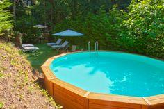 El paratge on està situat la casa rural El Roure, no només és idíl·lic durant l'hivern, també ho és a l'estiu #piscina