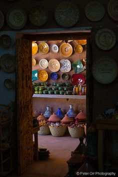 Pottery inside a small shop in Morocco (by peter orr photography) Rock The Casbah, Moroccan Style, Marrakesh, North Africa, Art And Architecture, Ceramic Pottery, Decoration, Earthenware, Oriental