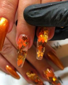 9 inch NAILS Fall nail colors in flower theme. Halloween Nail Colors, Fall Nail Colors, Halloween Make Up, Halloween Nails, Halloween Halloween, Fall Nail Designs, Eye Palette, Eyeshadow Looks, Diy Nails