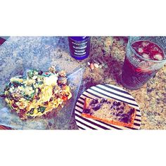 Post workout gainz I say; 3 eggs 1 egg white 3 oz GB peppers onions garlic spinach low fat mozzarella cheese and my protein blueberry banana bread. Recipe in previous post (grape juice for a spike not soda ) @bodytech #musclegains #flex #bodybuilding #powerlifting #deadlifts #fitfam #fitness #beastmode #trainer #fitmomsofig #fitmoms #spiritualmuscle #shredded #workouts #gymratsunited #legitfit #motivated #vitaminshoppe #cellucor #strengthgeek #girls #girlswholift #girlswithmuscle #healing…